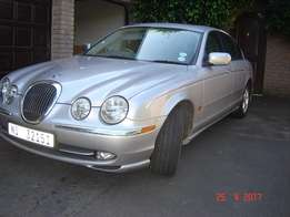 1999 Jaguar S-Type 3.0 V6 Executive Sedan. Only 122,100kms. Excell con
