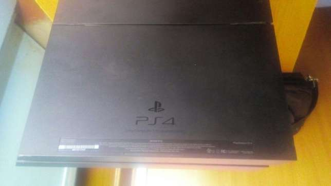 Play Station 4 X-UK gaming console Eldoret South - image 2