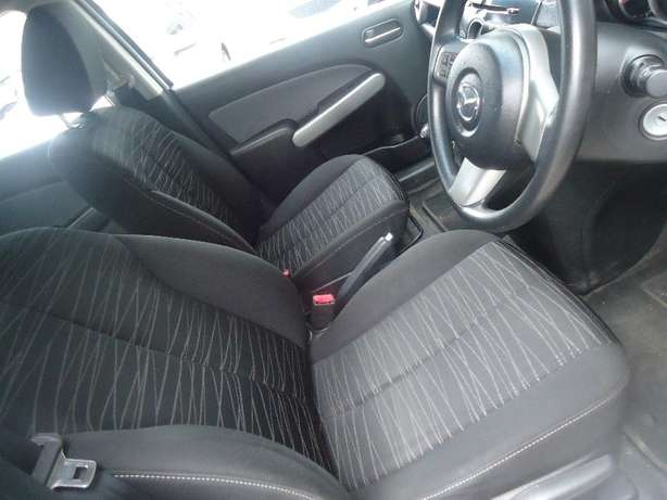 2011 Mazda 2 1.5 Dynamic Available for Sale Johannesburg - image 7