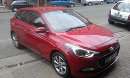 Hyundai i20i marrone in color 1.6 2015 model 34000km R162000 confort
