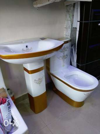 White and gold wc Coker - image 1