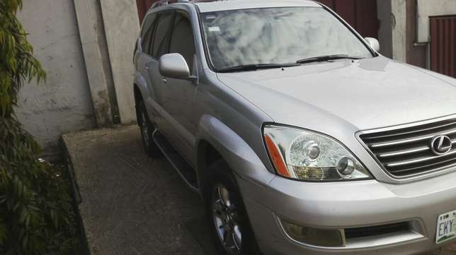 Nigerian used toyota Lexus first body very clean Agege - image 3