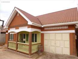 move into 3bedroom house in bweyogerere at 700k