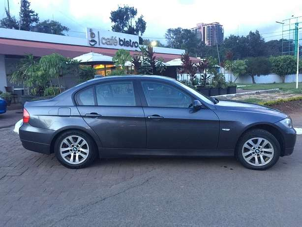 BMW 320i, Yr 2006, KBV, Auto, Leather Interior, Exceptionally Clean Nairobi West - image 3