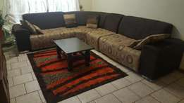 Corner sofa suite 4 piece and with 6 cushions.