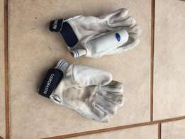 Cricket gloves for primary school aged child