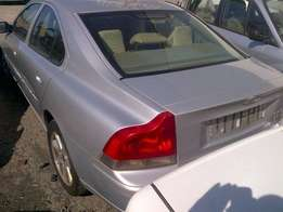 2003 Volvo S60 2.4T (Car dis-assembled) Spares