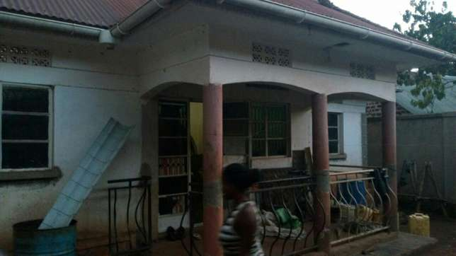 Three bedroom House on sale in Gayaza town at 45m Kampala - image 1