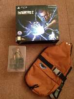 iNfamous 2 collectors edition items Bag + Statue