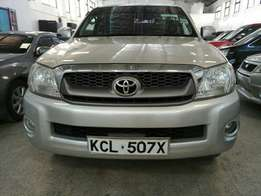 Toyota Hilux double cab. Automatic Diesel 2010 model KCM number loa