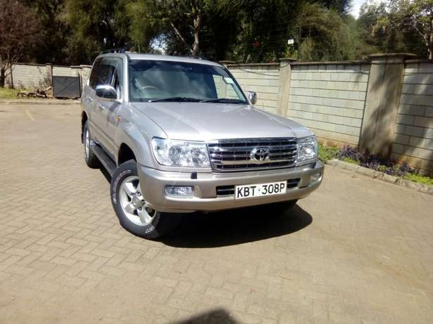 Toyota Landcruiser Vx 2005 Model In immaculate Condition Karen - image 1