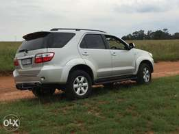 2010 toyota fortuner with very low milage , 3.0 diesel