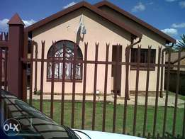 4 bedroom house available for rent in Philip Nel Park