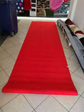 Red carpets /office /wall to wall carpets