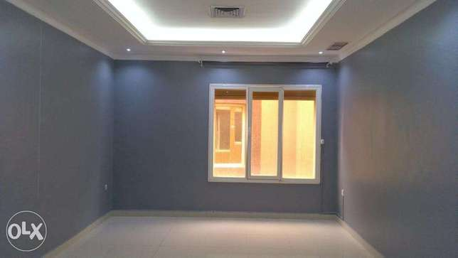 Good sized 3 bedroom apt in mangaf.