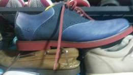 Very neat secondhand shoes no fault