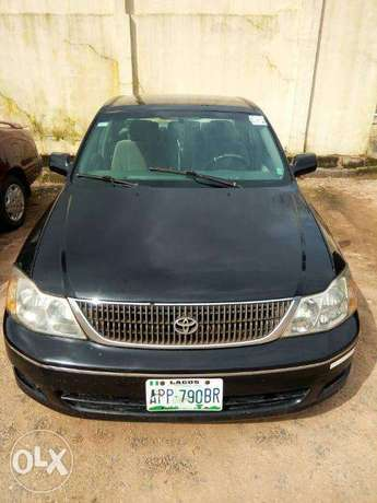 TOYOTA AVALON 2004 Very Clean_Give Away Price Benin City - image 4