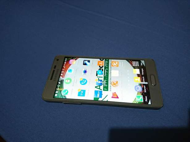 Samsung A5 2015 in very good condition 26000kes negotiable Ngumo estate - image 4