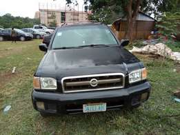 Nissan pathfinder jeep