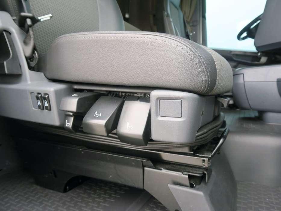 Scania R450 LA6X2/4MNB   SCR-only   Full Air   PTO   Hydraulic  ... - 2017 - image 17