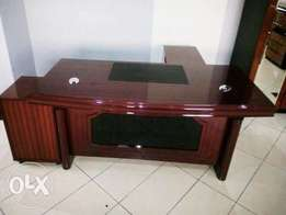 Brand New Exotic Quality Office Executive Table