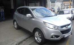 Hyundai ix35 1.6 automatic silver in color 2013 model 57000km R210000