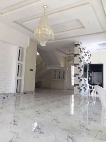 5 beds, 5 baths, 6 toilets plus bq Lekki - image 2