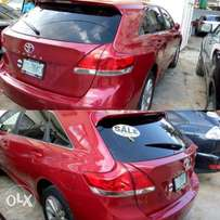 Very clean toyota venza 2010