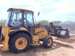 Looking to Hire Tipper truck,Backhoe&Tractor At ksh,6,000