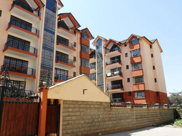 3 bdrm with sq to let off ngong /naivasha rd and near nakumatt juncti Nairobi CBD - image 1