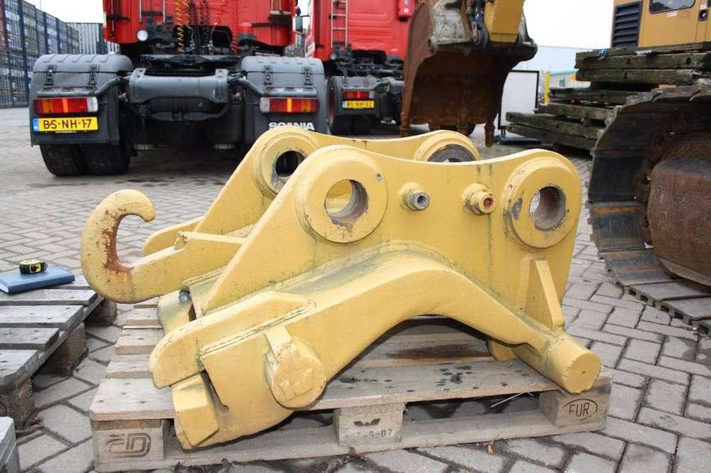 Caterpillar Cw55 Quick Coupler - 2007 - image 4