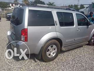 Clean registered 2007 Nissan pathfinder Lagos Mainland - image 3