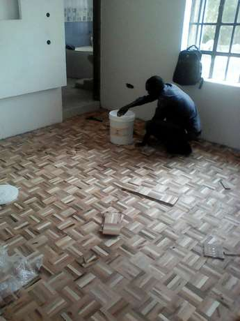 Floor fixing wood pequet tngs lamenated floor wood brocks sanding Kilimani - image 4