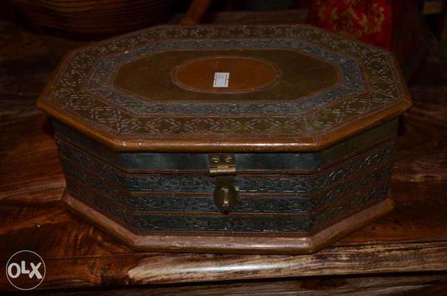box copper and wood antique