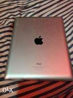 Apple ipad 4 Wifi, OS 10, 16GB Clean and No Fault