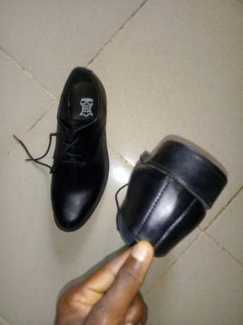 A Pair of Shoe (Brogues) Uyo - image 4