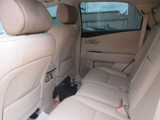 Extremely Clean Lexus RX350,011 Tokunbo Lagos Mainland - image 4