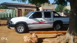 nissan hardbody VG 30 excellent condition. prize to go