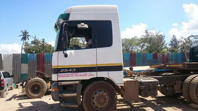 Actros on excellent condition on sale Mji Wa Kale - image 4