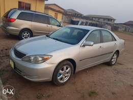 Awoof!!! Very Sharp and Clean 2004 Camry (V4)