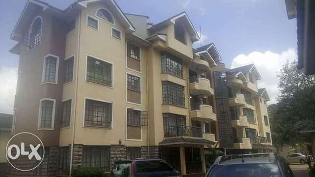 Three Bedroom Apartment with Sq in Kilimani. Spacious, Secured Kilimani - image 1