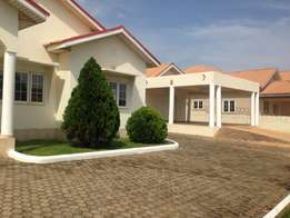 Executive 4 bedroom house to let at Spintex-Manet