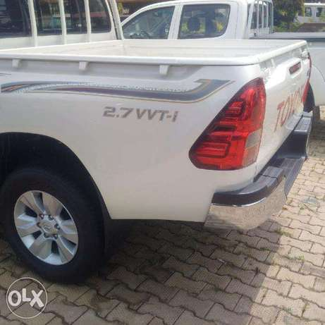 Beand New Toyota Hilux 2017. Its VVTi 2.7 at relatively low price Wuse II - image 6