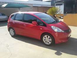 2012 Honda Jazz 1.3 Comfort at a give away price of only R65,995neg.