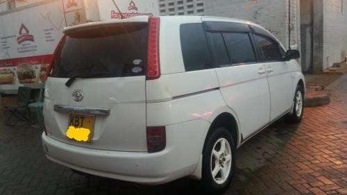 2005 Toyota Isis KBT Very clean buy & drive!!! Kilimani - image 8