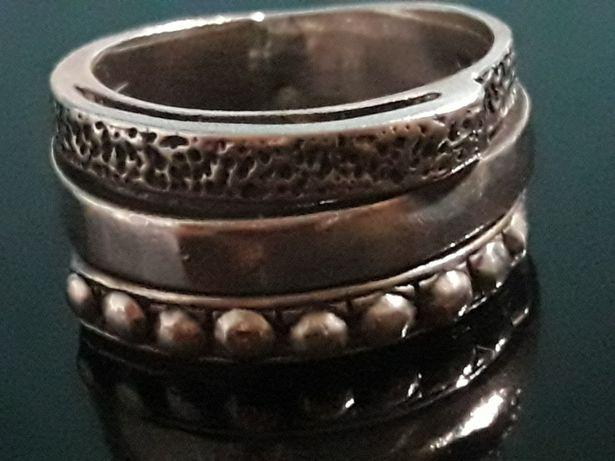 807893776764d4 Srebrny pierścionek. Cena do negocjacji. Wodzisław Śląski - image 1