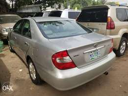 04 Toyota Camry (Leather)