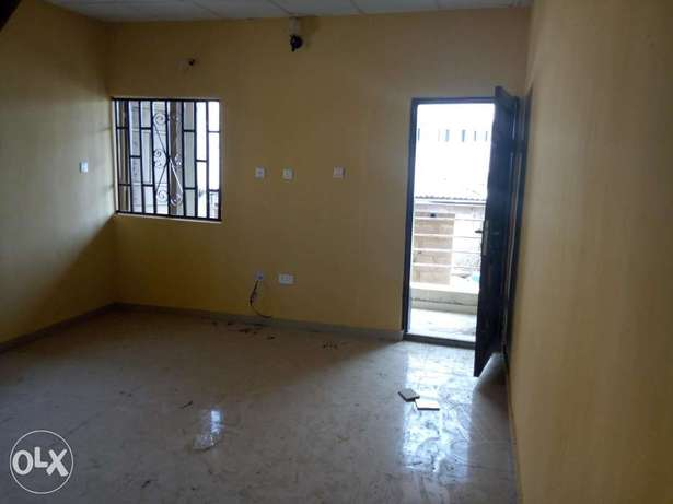 Room and parlour self contain Abeokuta South - image 2