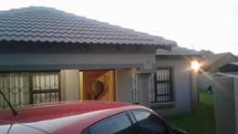 Room to Rent with en-suite bathroom (Klipfontein Ext 8, Witbank)