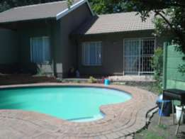 Flat let in Fontainebleau randburg